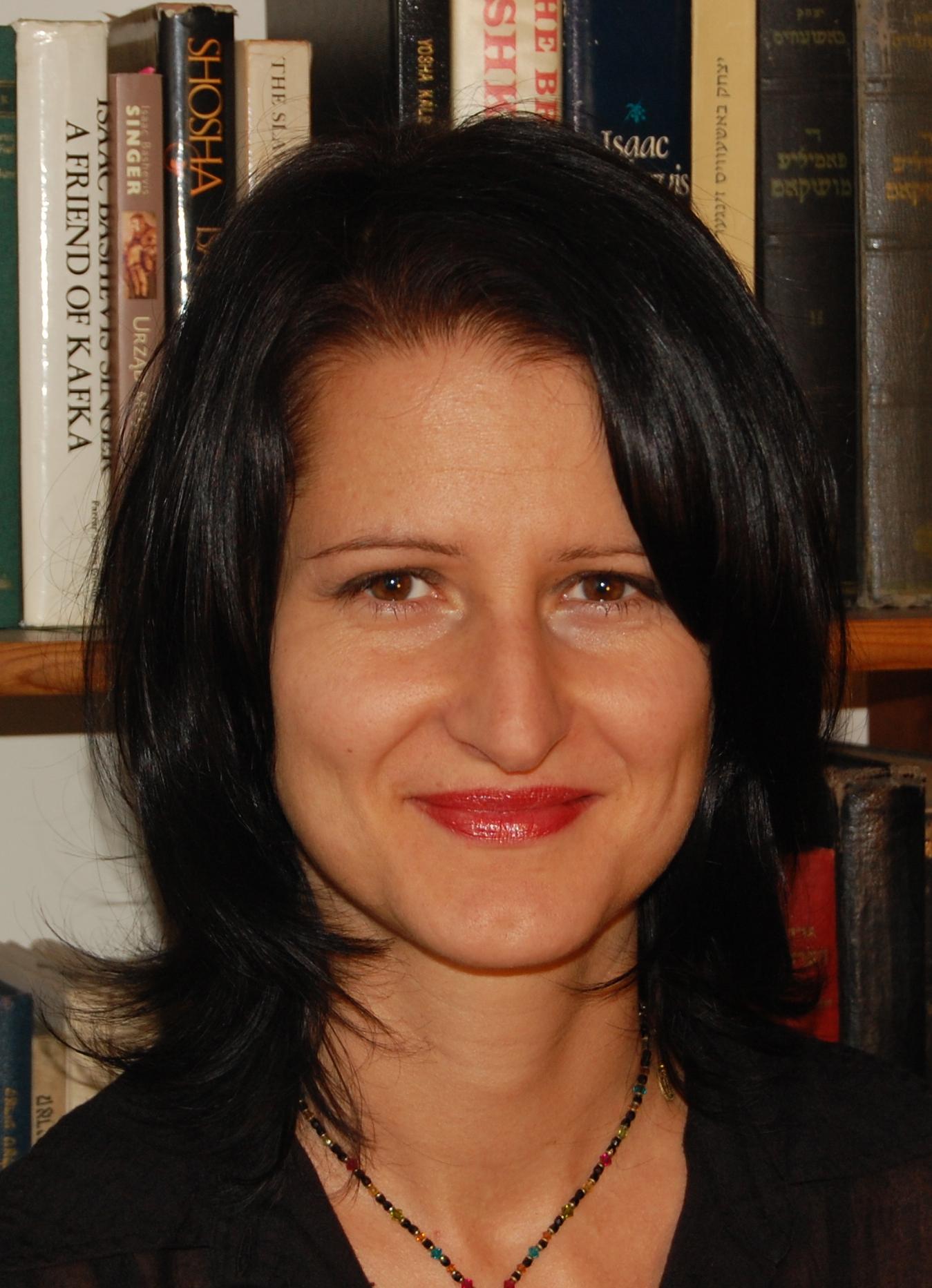 Dr. Agi Legutko